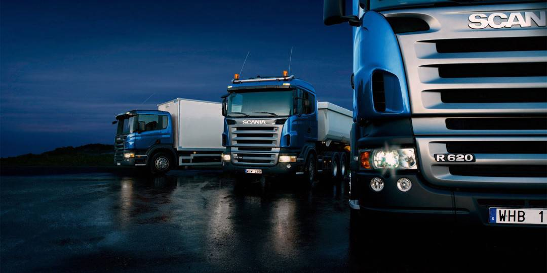 http://transnautic.de/wp-content/uploads/2015/09/Three-trucks-on-blue-background-1080x540.jpg