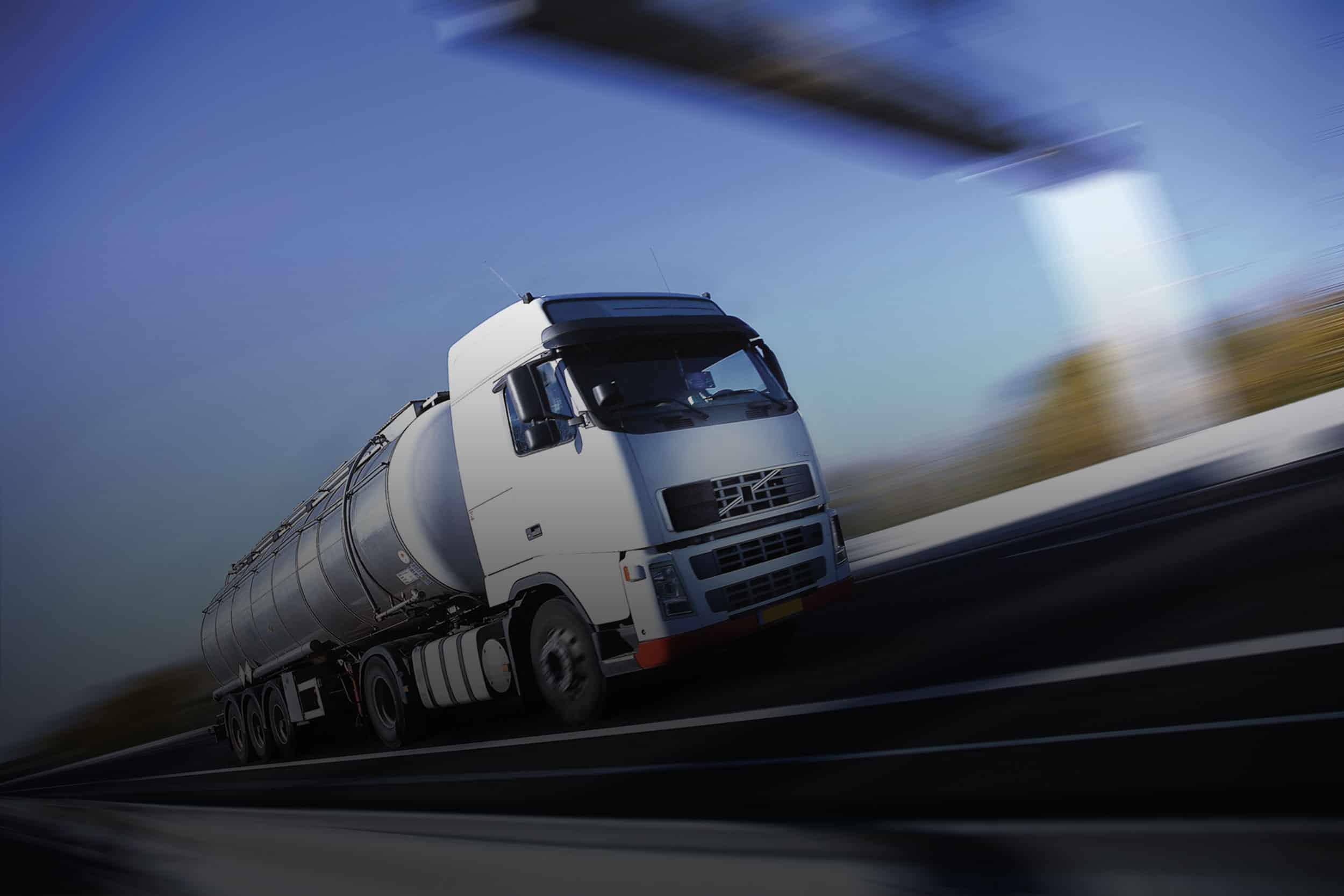 http://transnautic.de/wp-content/uploads/2015/09/White-Truck-single.jpg